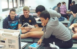 Práctica de elecrólisis percutánea terapéutica en el curso de experto en fisioterapia del deporte de la URJC