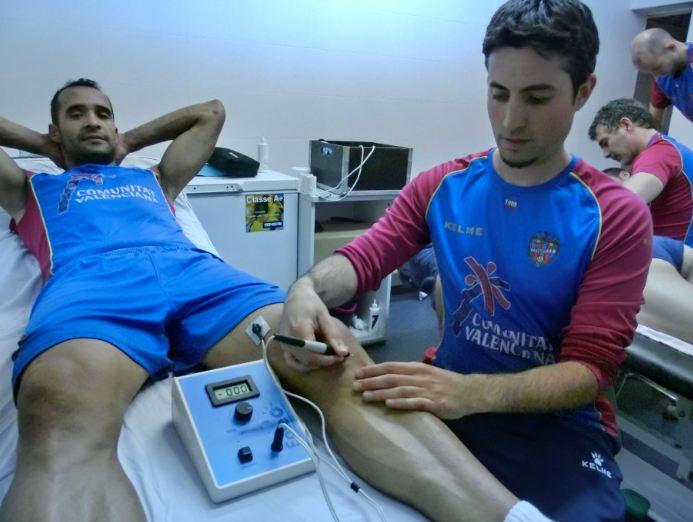 Fisioterapeuta del Levante aplicando técnica EPTE