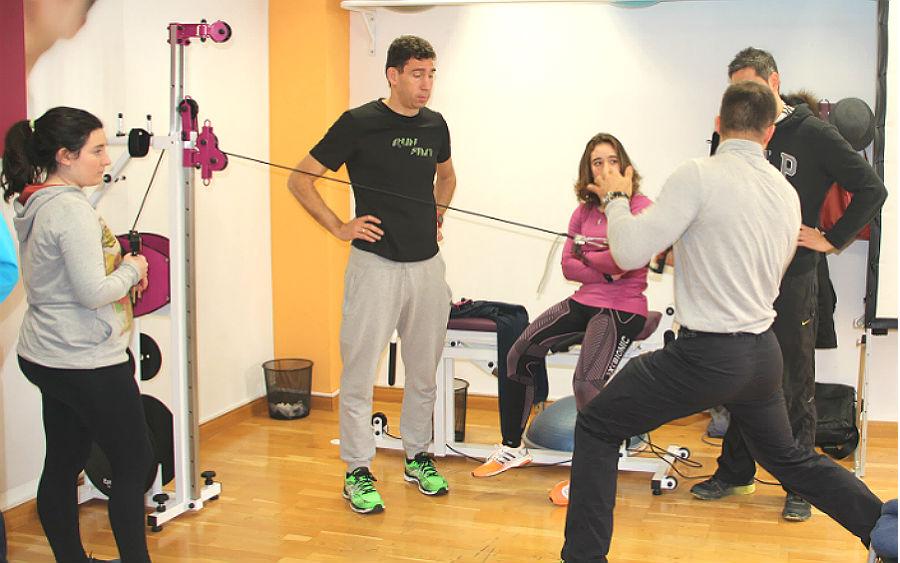 Práctica de ejercicio concéntrico en entrenamiento isoinercial