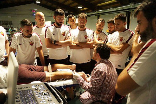Il team medico-sanitario dell'AS Roma assiste al corso EPTE con il prof Alberto Muñoz