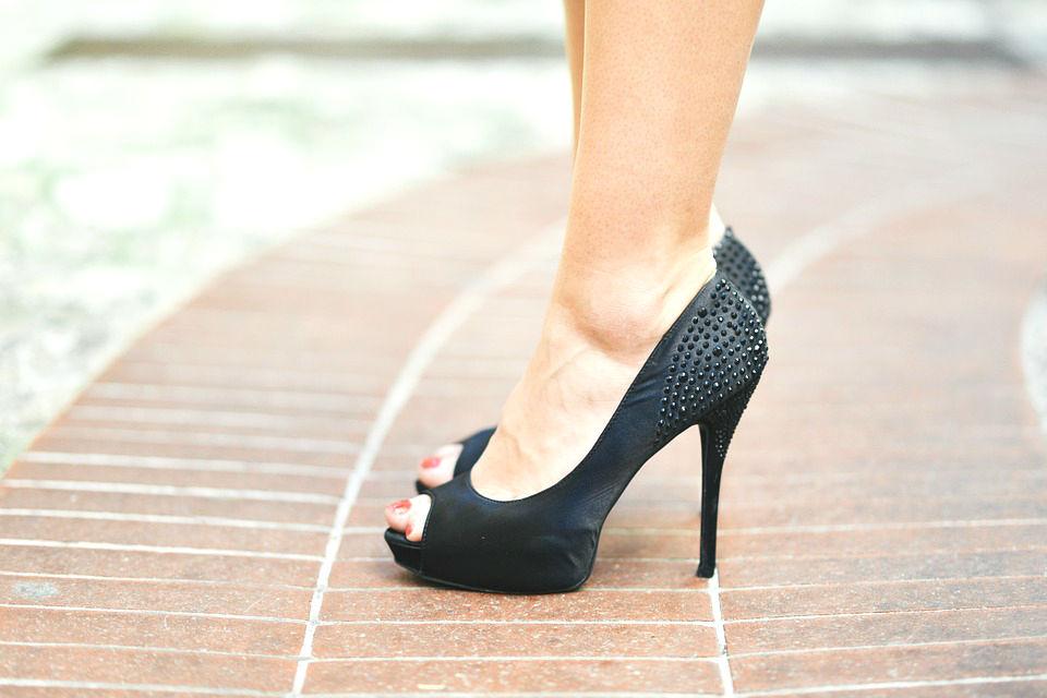 Un abuso di scarpe coi tacchi può portare a problemi