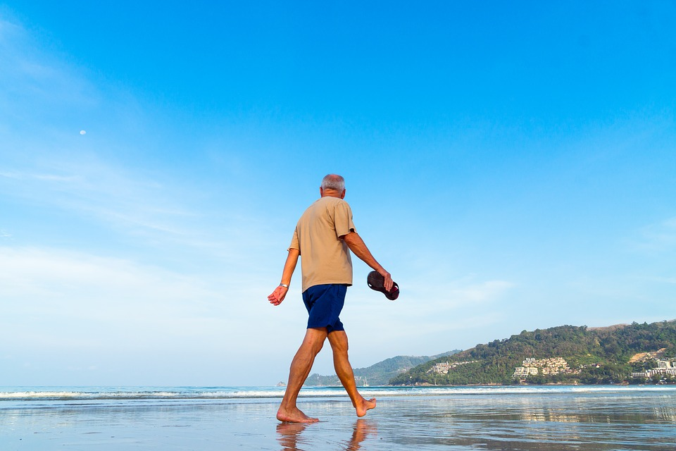 camminata in spiaggia