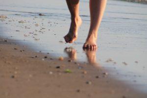 camminata sulla spiaggia